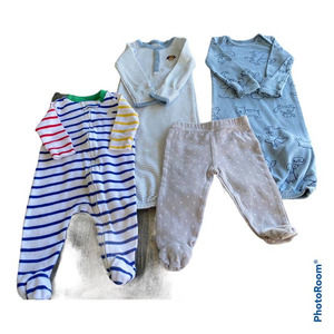 Baby Bundle 4 Pieces Size 0-3 Months Sleepers